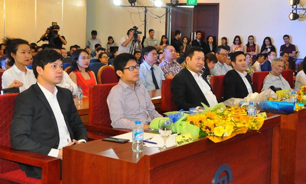 Buổi vinh danh Startup Việt 2016 với sự tham gia của 200 khách mời, gồm đại diện các đơn vị, dự án khởi nghiệp, các quỹ đầu tư cùng nhiều doanh nghiệp.