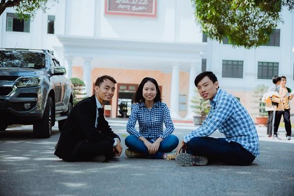 Các bạn trẻ của startup Tasa cho rằng dư lượng hóa chất từ phân bón thấm vào đất là một trong những nguyên nhân gây ra ung thư cho người bệnhtại Việt Nam.