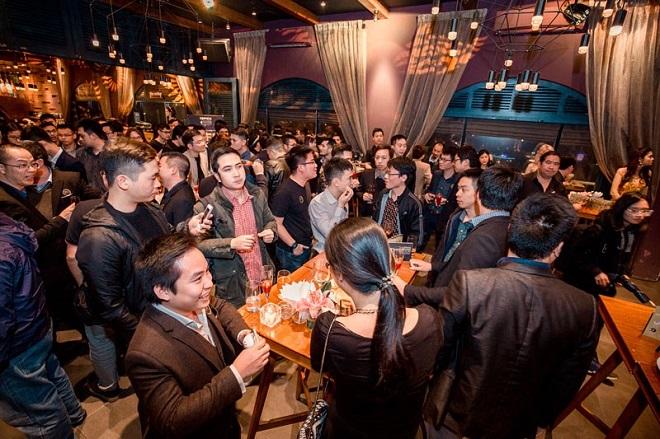 Các startup giao lưu trong đêm hội ngộ của các doanh nhân khởi nghiệp Việt Nam -TFI Mafia Night