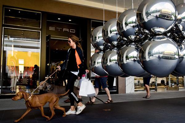 Bất chấp khủng hoảng, cửa hàng cho giới siêu giàu vẫn lãi to