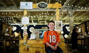 Nhà khởi nghiệp 12 tuổi thu hàng nghìn USD từ nước chanh