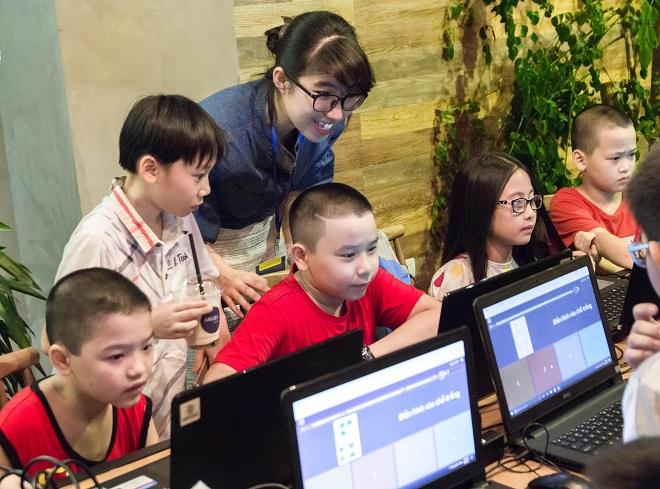 Nga cho biết lập trình sẽ kích thích và phát triển tư duy sáng tạo của trẻ.