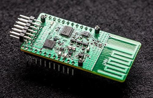 Thiết bị Ambient Backscatter  có thể hấp thụ và phản xạ sóng điện từ ở môi trường xung quanh, giúp kết nối Internet ở bất cứ đâu. Ảnh: India Times.