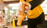 Startup thành công nhờ thương hiệu nước sốt đóng chai