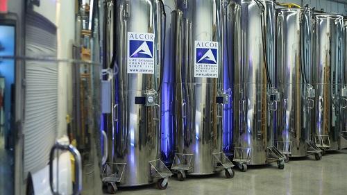 Tương tự Nectome, tổ chức Alcor Life Extension Foundation có cùng ý tưởng kéo dài sự sống bằng cách lưu trữ cơ thể người.