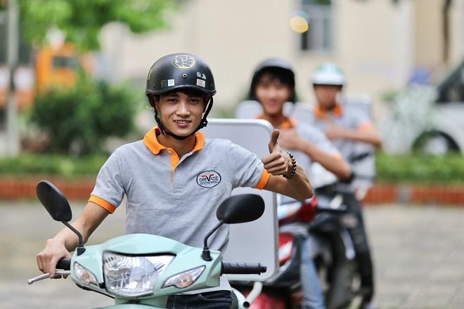Startup này có triết lý hoạt động lấy người lái làm hạt nhân phát triển, mỗi tài xế là một đại sứ thương hiệu để chinh phục thị phần quảng cáo ngoài trời tiềm năng với lưu lượng tham gia giao thông lớn bằng xe máy ở Việt Nam.