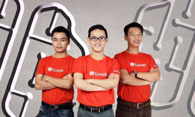 Từ trái qua,Mai Như Chiến, Lê Văn, Nguyễn Thanh Phú Ba nhà đồng sáng lập công tyErabit, đơn vị chủ quản của Eraweb, top 25 Startup Việt 2017