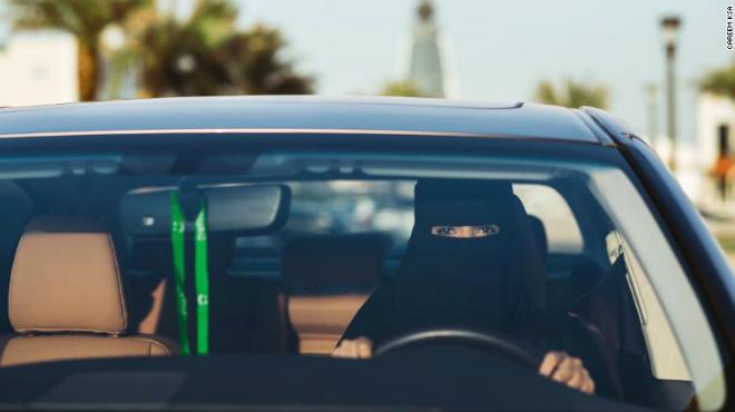 Careem và các ứng dụng gọi xe di động đã bắt đầu tuyển các tài xế là phụ nữ tại khu vực Trung Đông. Ảnh: CNN