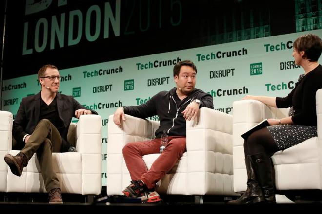 CEO của Deliveroo, William Shu (ngồi giữa) trong một buổi chia sẻ kinh nghiệm do Techcrunch tổ chức. Ảnh: Forbes