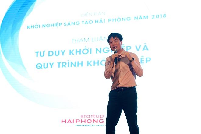 Ông Phạm Duy Hiếu, Giám đốc Quỹ khởi nghiệp Doanh nghiệp Khoa học và Công nghệ Việt Nam (SVF) nhấn mạnh sứ mệnh hỗ trợ khởi nghiệp địa phương của tổ chức, đồng thời cam kết trao tặng các tài liệu khởi nghiệp miễn phí và kết nối chuyên gia.