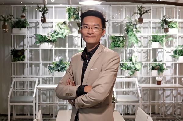 Hành trình trở thành chuyên gia Thương hiệu và Ươm tạo Doanh nghiệp của Phạm Anh Cường bắt đầu từ hoa giấy.