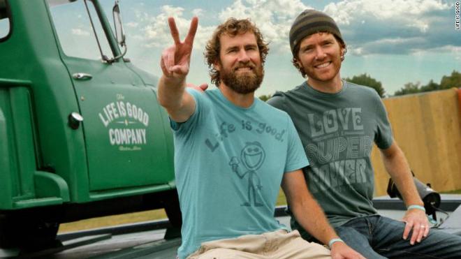 Hai anh em Bert và Jonh Jacobs (từ trái sang). Ảnh: Life is Good.