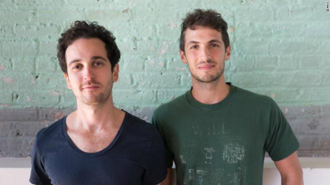 Hai đồng sáng lập Genius Tom Lehman và Ilan Zechory. Ảnh: CNN.