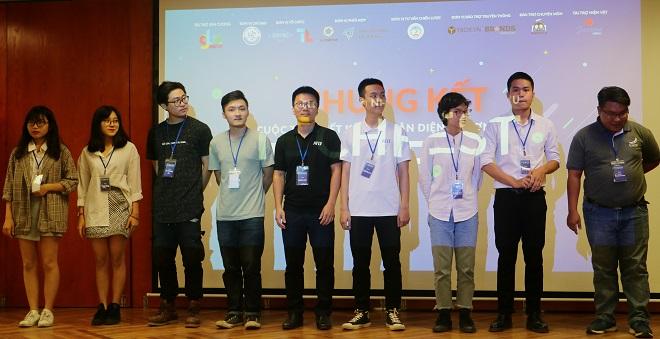 Các đội trên sân khấu đêm chung kết Cuộc thi thiết kế bộ nhận diện thương hiệu Techfest 2018