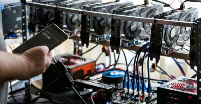 Các nhà đầu tư Việt Nam hiện gặp nhiều khó khăn trong việc quản lý các máy đào tiền mã hóa.