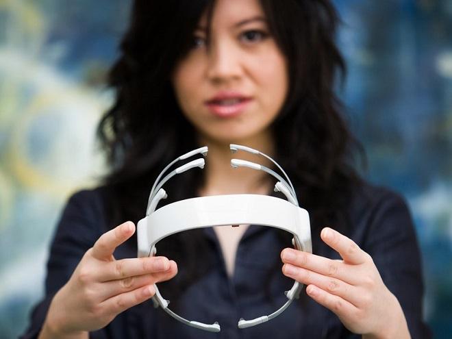 Epoc là thiết bị đọc sóng não, thu nhận và phân tích các tín hiệu từ não bộ con người.