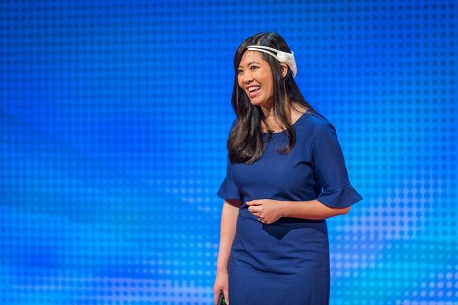 CEO Thái Tần diễn thuyết về công nghệ đọc sóng não tại Ted Talk.