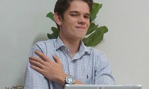 CEO 16 tuổi làm giàu từ thương mại điện tử