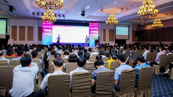 Sự kiện Vietnam Blockchain Hub thu hút hàng nghìn người tham dự.