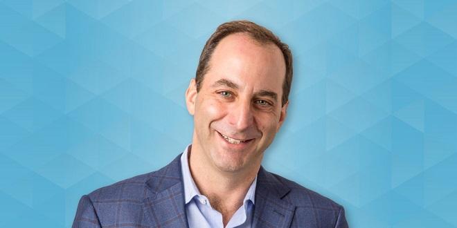 Josh Leslie; Ảnh:Business Insider