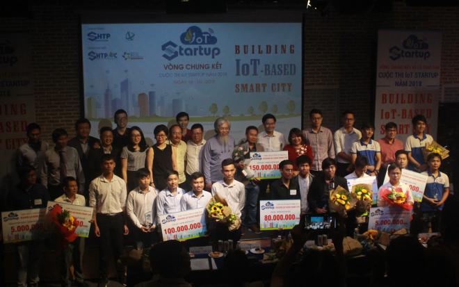 Các dự án giành giải cao tại IoT Startup năm nay. Ảnh: T.S.