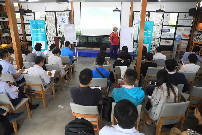 Đông đảo các nhóm startup tham gia Startup Việt và SiHub đến nghe lời khuyên từ chuyên gia về quản trị nguồn nhân lực.