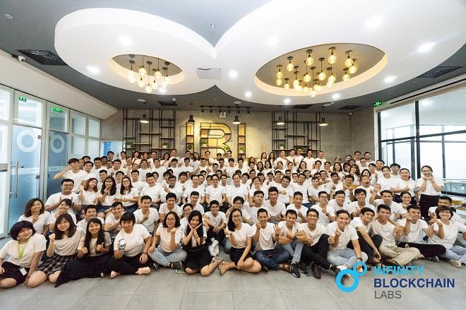 Mang kiến thức Blockchain đến cho những người trẻ, sinh viên đại học là mục tiêu của IBL để biến Việt Nam thành một trong những trung tâm Blockchain của thế giới. Ảnh: IBL