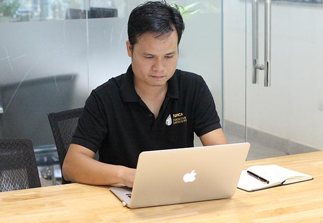 Trước khi thành lập Chungxe, CEO Hoàng Hồng Minh đã có hơn 12 năm kinh nghiệm làm việc tại các doanh nghiệp lớn trong lĩnh vực viễn thông và công nghệ thông tin. Ảnh: Hà Trương.