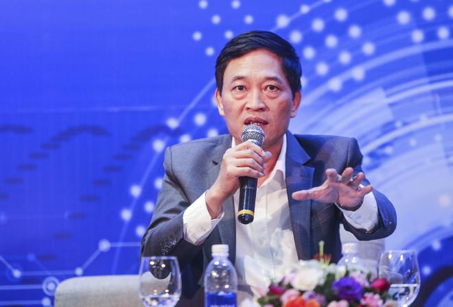 Thứ trưởng Bộ Khoa học và Công nghệ Trần Văn Tùng tham gia hội đồng giám khảo cuộc thi Startup Việt 2018.