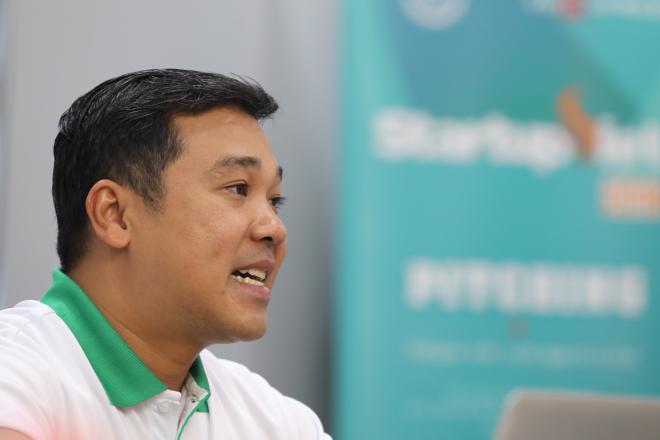 Nhà sáng lập Shaca Phạm Văn Sinh trả lời chất vấn của hội đồng chuyên môn Startup Việt 2018. Ảnh: Thành Nguyễn.