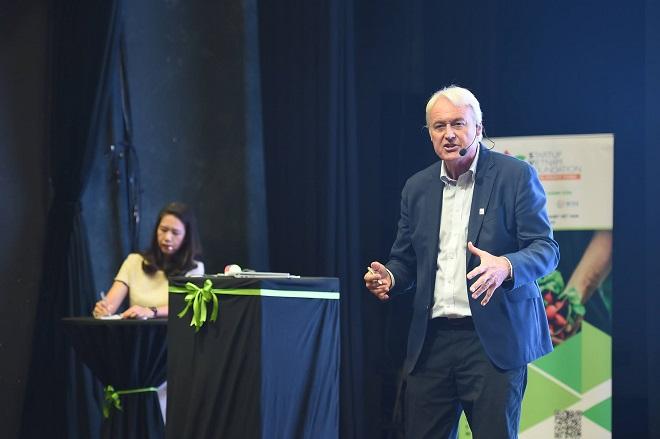 Diễn giả Alain Goudsmet là chuyên gia quốc tế nổi tiếng trong lĩnh vực huấn luyện tinh thần, với 20 năm kinh nghiệm hướng dẫn cá nhân và toàn đội với mục tiêu đạt hiệu suất cao nhất. Ông là nhân vật nổi bật trong giới thể thao, giáo dục và kinh doanh. Ảnh: SVF