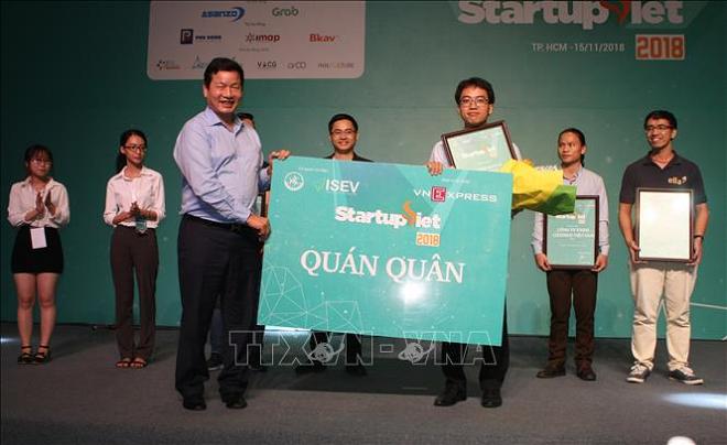 vinh danh Startup Việt năm 2018 do Báo điện tử VnExpress tổ chức trong khuôn khổ Đề án 844.