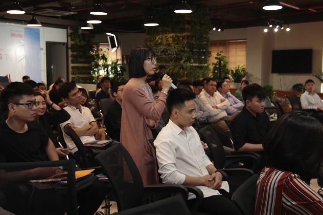 Nhiều đại diện startup, nhà đầu tư có mặt tại hội thảo và đặt câu hỏi.