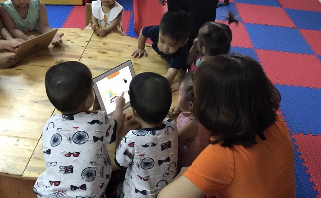 Ứng dụng KidsUp áp dụng phương pháp game hóa, giúp trẻ hứng thú với mỗi bài học.