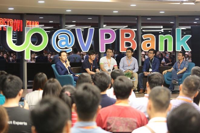 Các diễn giả tại phiên thảo luận trong sự kiện đều khẳng định Việt Nam có nhiều tiềm năng phát triển AI dựa trên nhiều điều kiện khách quan và chủ quan, trong đó là lượng dữ liệu lớn đến từ xã hội chưa được tổ chức và sắp xếp.