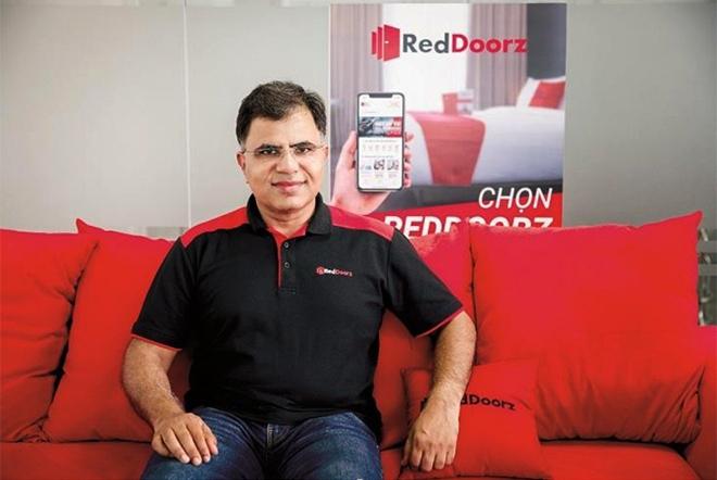 Ông Amit Saberwal sáng lập RedDoorz vào năm 2015, trụ sở tại Singapore.