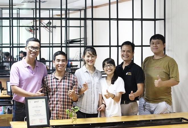 Đội ngũ cộng sự của CEO Hoàng Hồng Minh. Ảnh: Hà Trương.