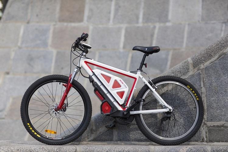 Eczo.bike Kit giúp khách hàng chuyển đổi xe đạp thông thường thành xe điện tiên tiến di chuyển trên nhiều địa hình khác nhau. Ảnh: Eczo.bike.