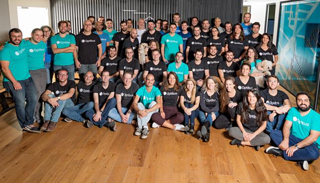 [Caption]Đội ngũ của Gong gồm các kỹ sư công nghệ AI, khoc học dữ liệu, nghiên cứu phát triển thị trường.