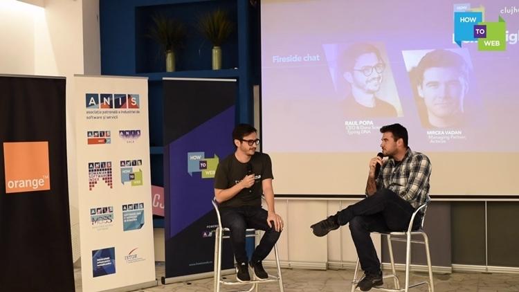CEO của TypingDNA - Raul Popa (Bên trái) chia sẻ về nền tảng nhận diện cá nhân qua cách đánh máy.