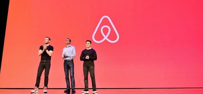 Đại diện Airbnb tại sự kiện công bố tháng 11/2019. Nguồn: BussinessInsider.