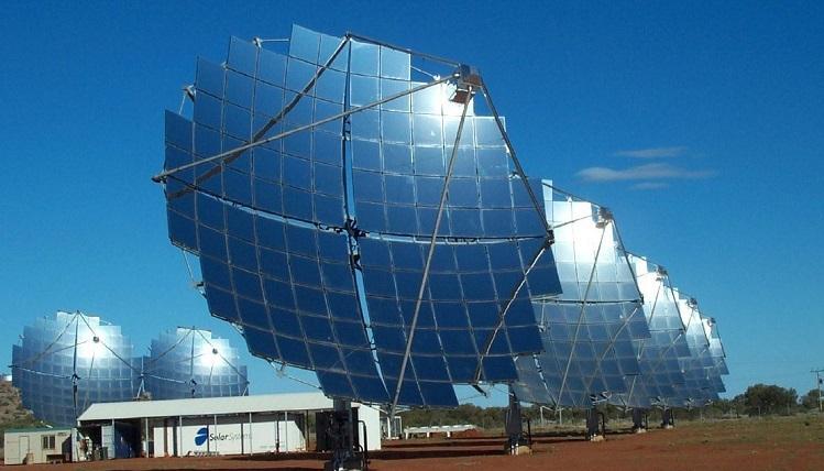 Công nghệ CSP là một trong hai công nghệ hiện đại hiện nay giúp tạo ra nguồn điện năngbằng cáchchuyển gián tiếp từ quang năng sang nhiệt năng rồi chuyển từ nhiệt năng sang điện năng. Ảnh: Solarfeeds.