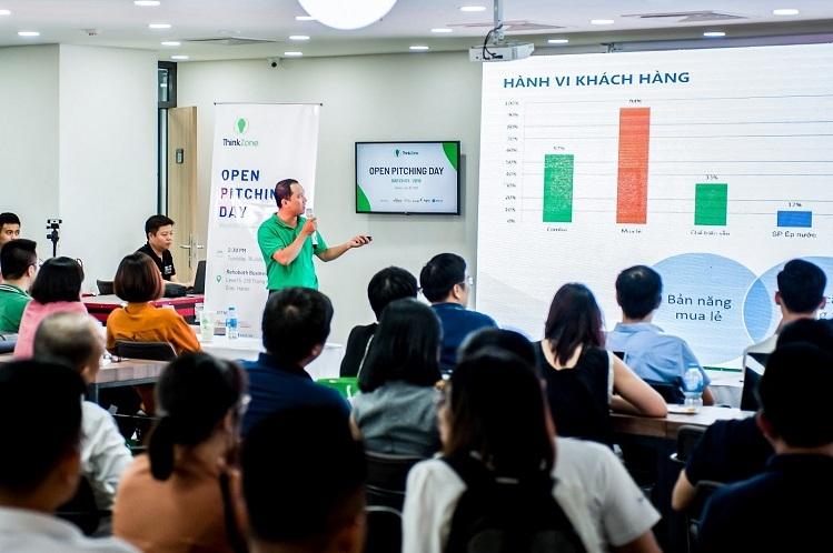 Các chuyên gia và nhà sáng lập thành công chia sẻ kinh nghiệm cho các startup.