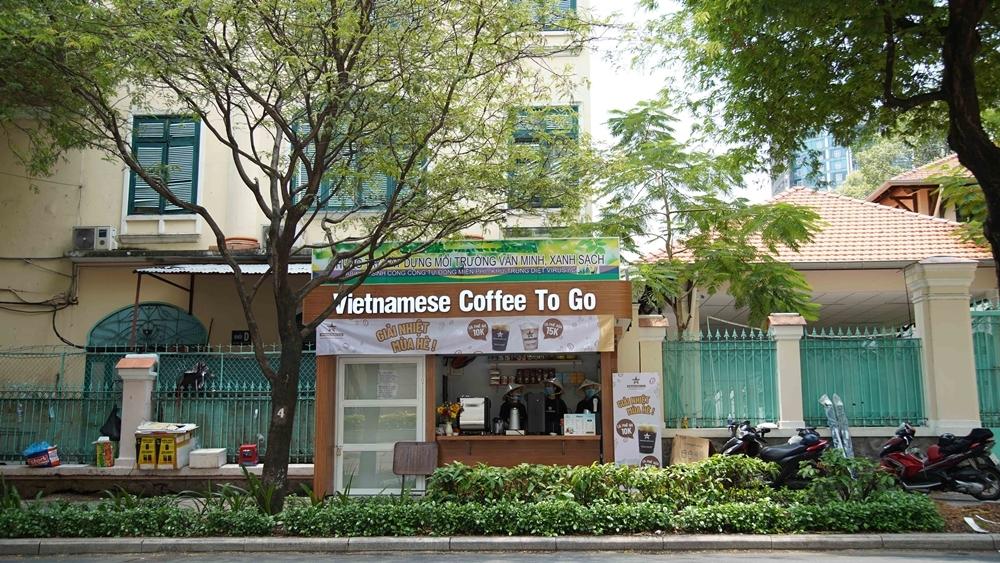 Ki-ốt của Vietnamese Coffee To Go trên đường Lê Quý Đôn, TP HCM.