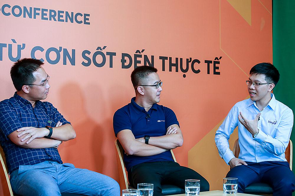 Ba chuyên gia đại diện (từ trái qua phải): Thinkzone Venture, FPT và HeyU tham gia buổi toạ đàm về chuyển đổi số.