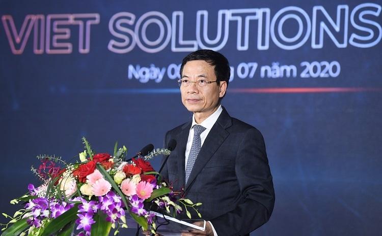 Bộ trưởng Bộ Thông tin và Truyền thông Nguyễn Mạnh Hùng tại lễ phát động cuộc thi.