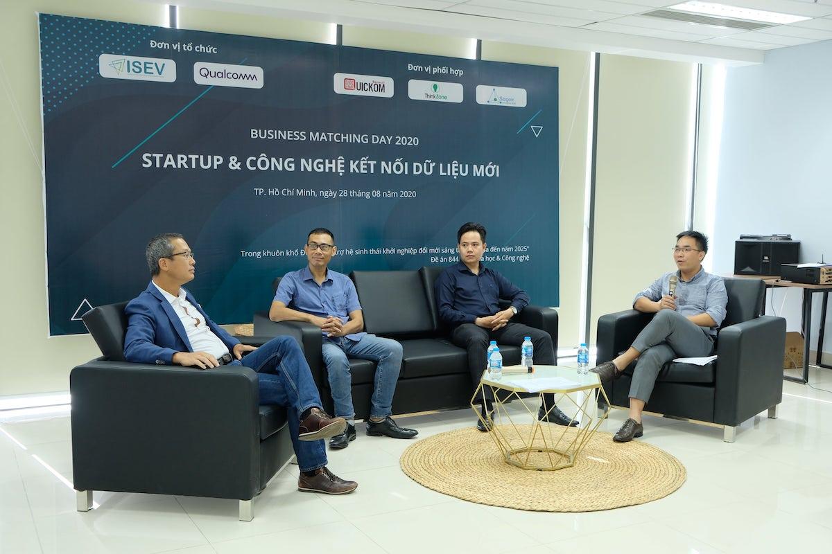 Đại diện các doanh nghiệp chia sẻ về xu hướng phát triển công nghệ kết nối.