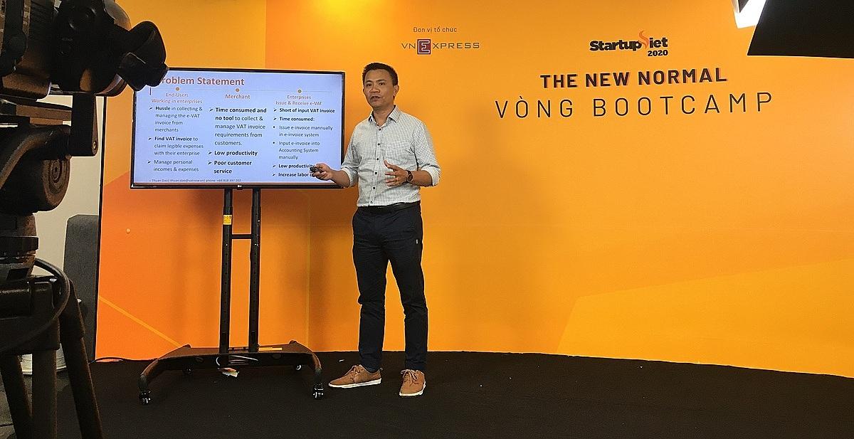 Lần đầu tiên Startup Việt tổ chức thuyết trình chiến lược kinh doanh trước máy quay. Ảnh: Khánh Hoàng.