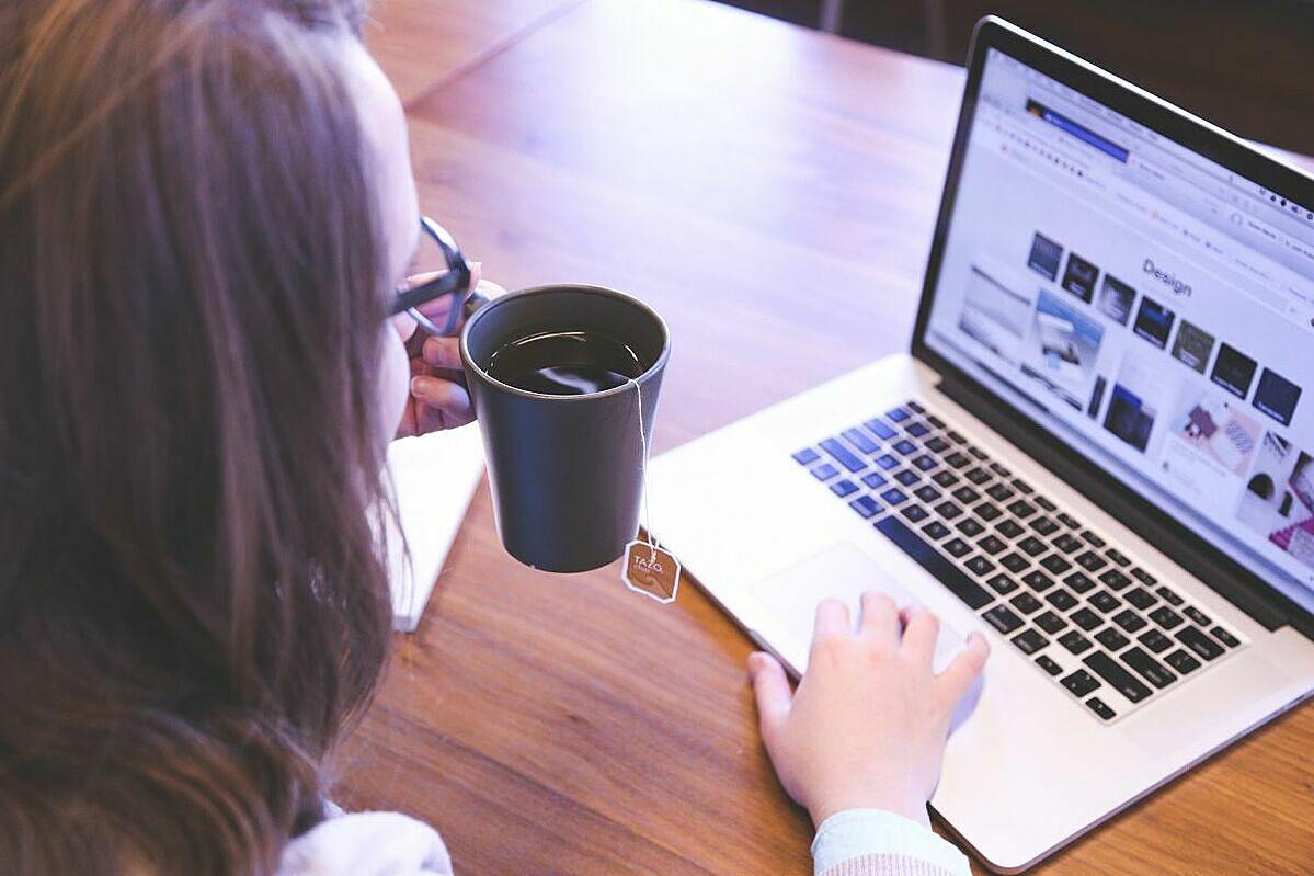 Phụ nữ gặp khó khăn hơn nam giới khi gọi vốn trong ngành fintech, theo Deloitte. Ảnh: Bloomberg.