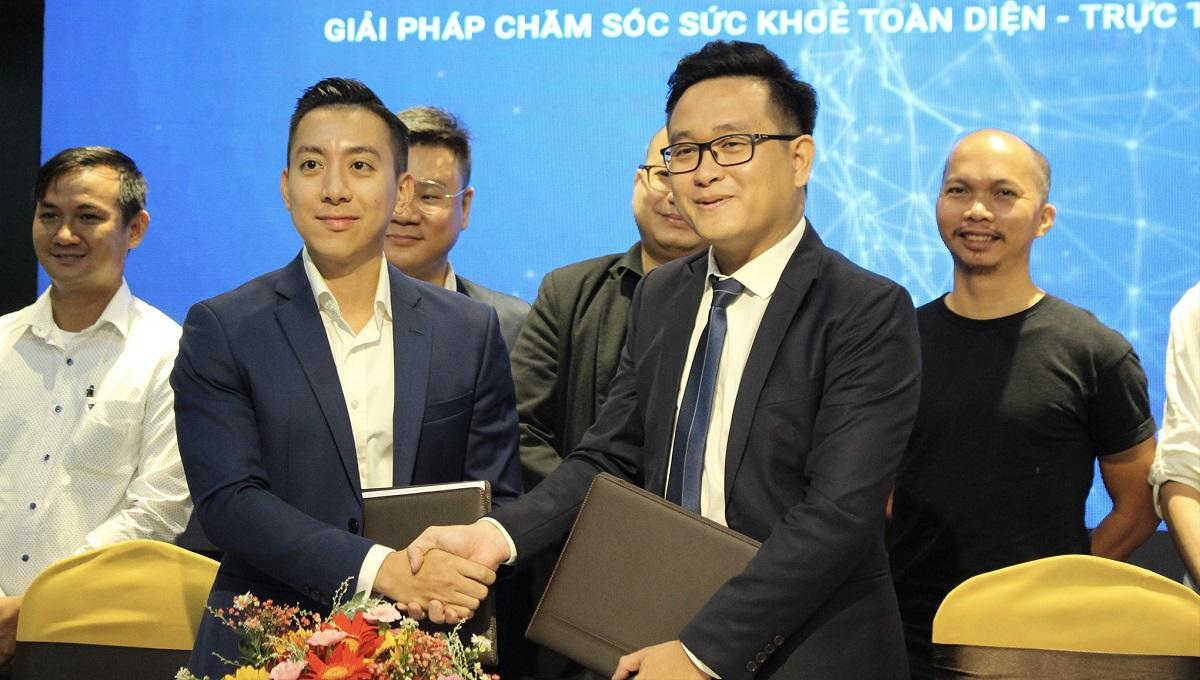 Đại diện Phano và eDoctor kí kết thỏa thuận hợp tác. Ảnh: Phano.